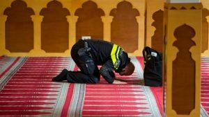 Polisi Wanita Dilarang Pakai Jilbab, Pejabat Rotterdam Ajukan Protes ke Dewan