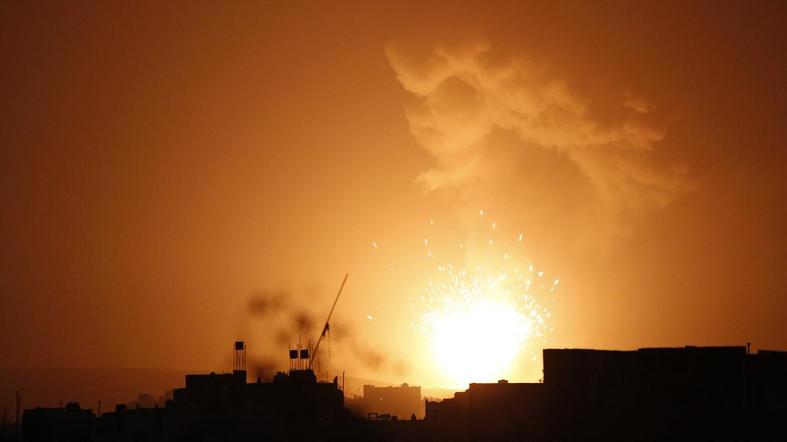 Koalisi Arab Gempur Markas Militer Syiah Houthi di Bandara Sanaa