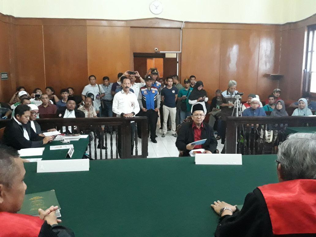 Pledoi Berjudul 'Menyelamatkan NKRI dari Bahaya PKI dan Komunis' Dibacakan Ustaz Alfian Tanjung