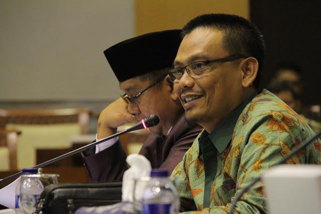 SKB 3 Menteri Soal Seragam Berpotensi Hilangkan keweangan Pemda