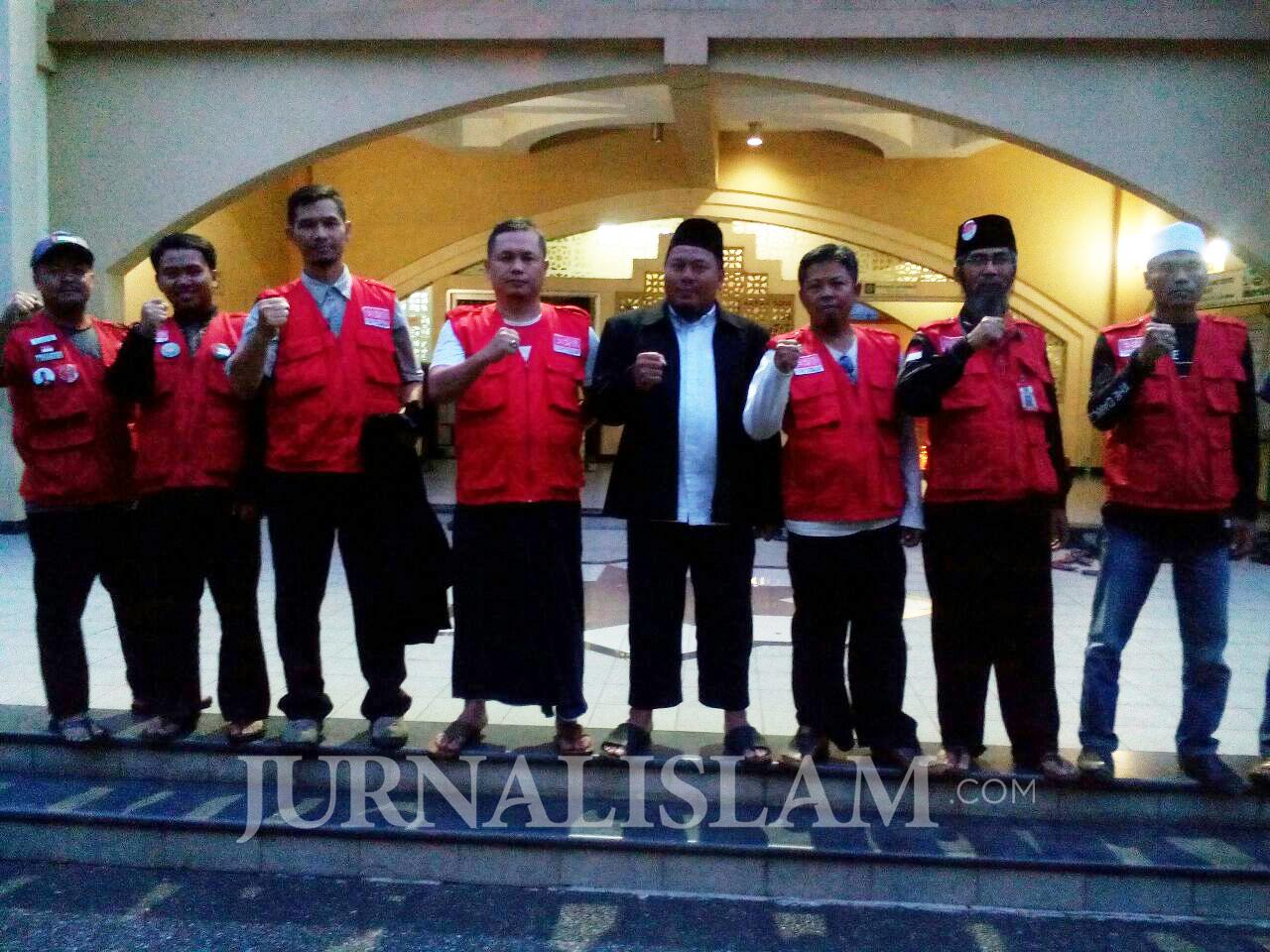 Kawal Sidang Ustaz Alfian Tanjung, API Jabar Bertandang ke Surabaya
