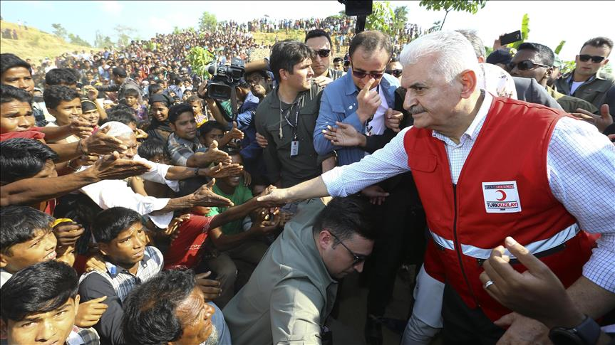 Kirim Bantuan Langsung, PM Turki Ajak Negeri-negeri Muslim Peduli Pengungsi Rohingya