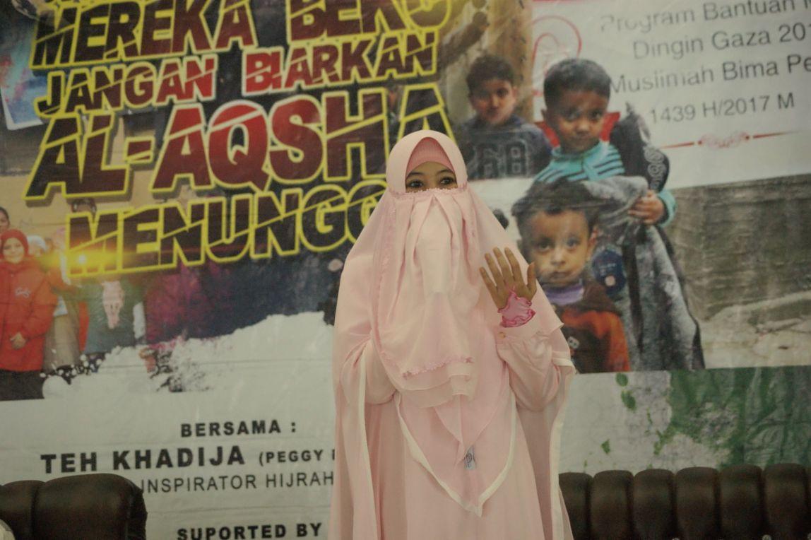 Peggy Melati Sukma : Jangan Lupa Doakan Muslim Suriah dan Palestina