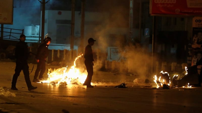 Gelombang Demonstran Semakin Membesar Setelah Tunisia Tangkap Ratusan Aktivis