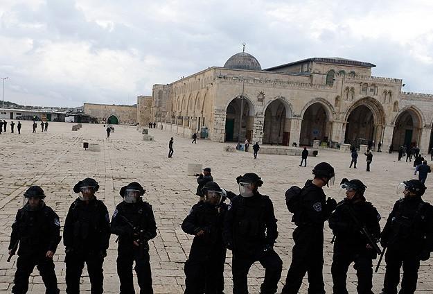 Rayakan Hari Passover, Zionis Yahudi dan Pasukan Israel Serbu Masjid Al Aqsha