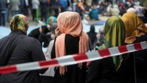 Pejabat Tinggi Inggris Didesak Dukung Pelarangan Jilbab di Sekolah