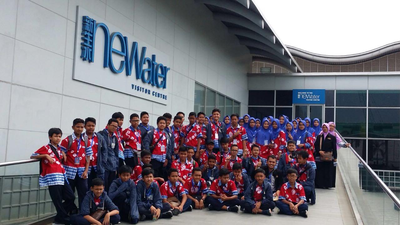 SMP Muhammadiyah Kottabarat Surakarta Edutrip ke Singapura