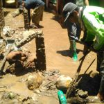 Dua Hari Terendam Banjir, Warga Dompu Mulai Bersihkan Rumah