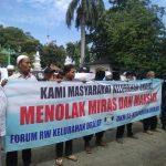 Elemen Umat Islam Cirebon Gelar Aksi Tolak Karaoke Mixologi