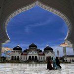 Menpar Targetkan 5 Juta Turis Nikmati Wisata Halal