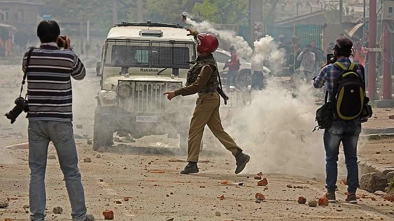 Giliran Mahasiswa Kashmir Hadapi Pasukan Penjajah India