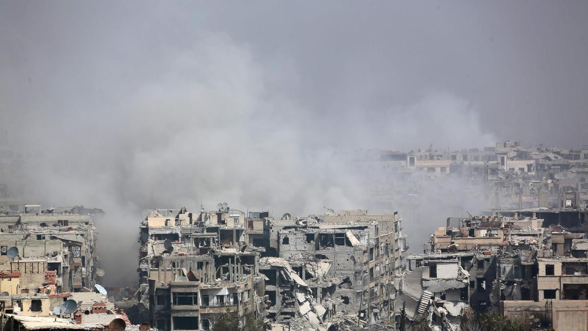 Setelah Serangan Gas Beracun Assad, Jaishul Islam Beserta Warga Tinggalkan Douma