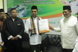 Ustadz Abdul Somad Kunjungi Pesantren Hidayatullah Surabaya