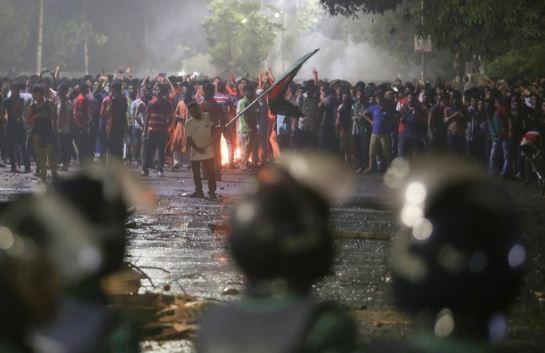 Lumpuhkan Ibukota, Aksi Mahasiswa Memasuki Hari Kelima di Bangladesh