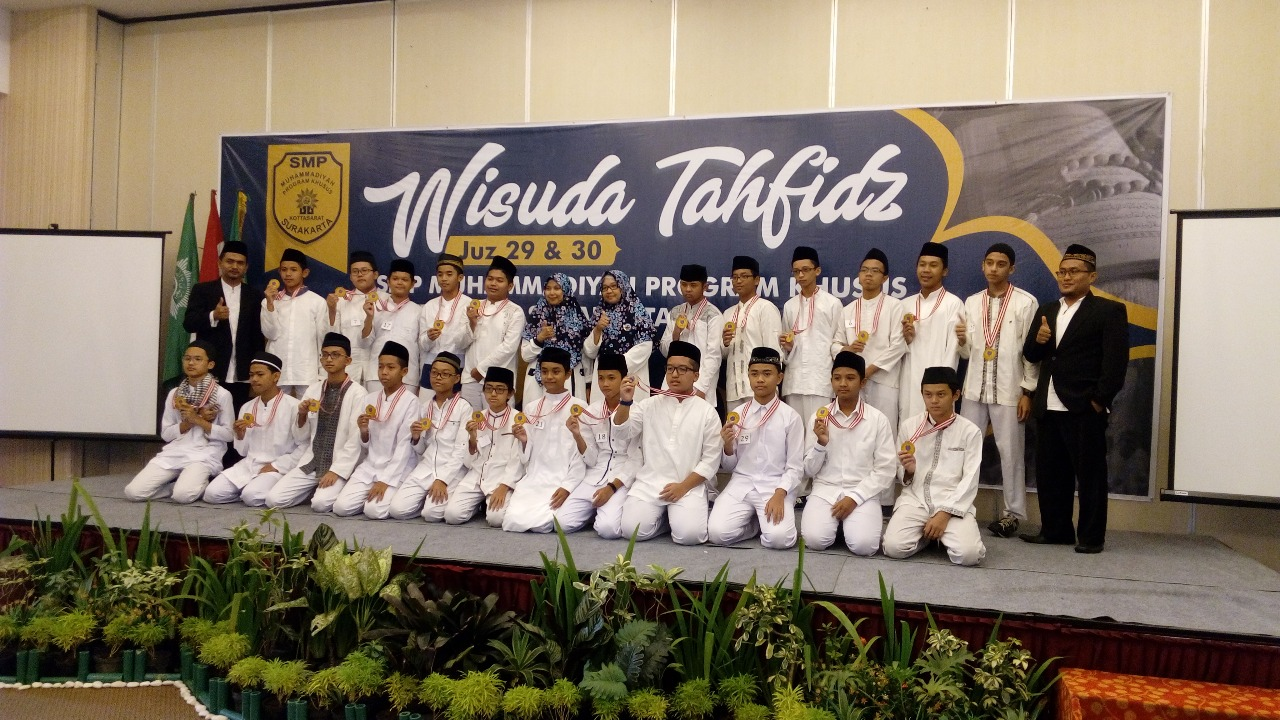 51 Siswa SMP Muhammadiyah PK Solo Ikuti Wisuda Tahfiz