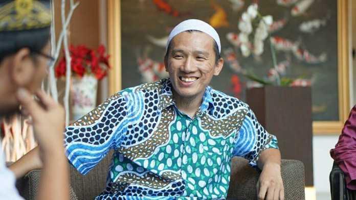 Ustadz Felix Siauw: Pemerintah Ingin Mengontrol Islam