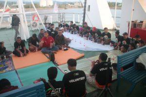 Cerita Ramadhan dari Geladak Kapal, 72 Jam Menembus Indonesia Timur