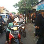Lagi, Muslimah Bercadar Bagikan 800 Paket Berbuka di Pasar Tanggul Solo