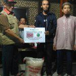 Perjuangan Komunitas Pendaki Muslim Salurkan Zakat Fitrah di Gunung Merapi