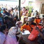 Forum Me-DAN Bagikan Sembako untuk Korban Banjir Banyuwangi
