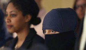 Remaja Muslimah Belgia Dirobek Bajunya dalam Serangan Islamophobia