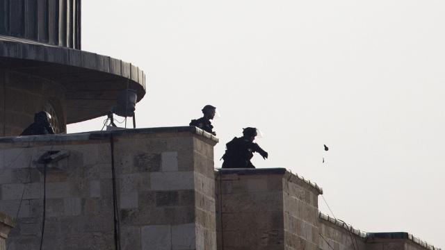 Pasukan Israel Serang Jamaah Hendak Shalat di Al Aqsha dengan Granat Listrik