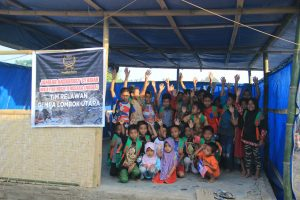 Jamaah Ansharusy Syariah Bangun Sekolah Darurat di Lombok