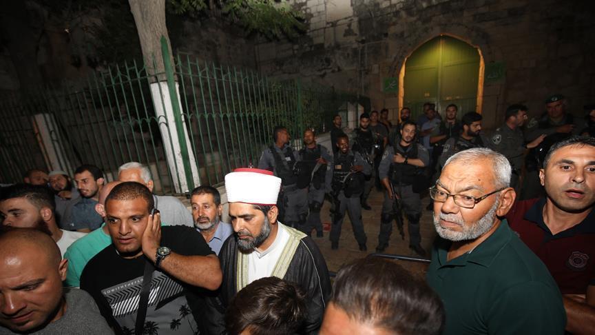 Polisi Zionis Tutup Masjid Al Aqsha