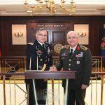 Panglima Perang Turki dan Jenderal Tinggi NATO Bertemu di Ankara