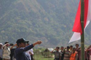 Foto Suasana Upacara Hari Kemerdekaan di Salah Satu Desa Terdampak Gempa Lombok