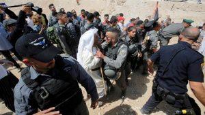 Militer Zionis Hancurkan Sebuah Desa Palestina 'Khan al-Ahmar'