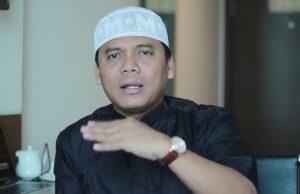 Catatan Hukum atas Keganjilan Status Tersangka Gus Nur