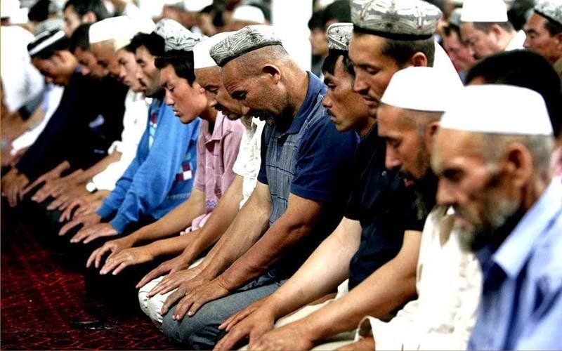 Muslim Uighur yang Kedapatan Berpuasa Diperintah Lapor