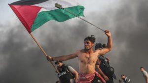 Foto Aksi Seorang Warga Palestina di Gaza Viral di Jagat Medsos dan Berita Dunia