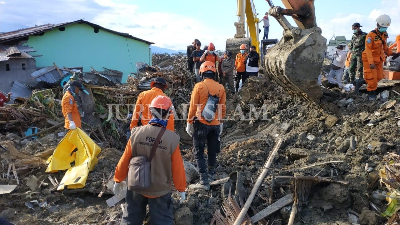 Tim SAR Gabungan Berhasil Evakuasi 4 Jenazah di Petobo Selatan
