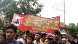 Viral Hadirnya Ribuan 'Gay', Ratusan Massa Datangi DPRD Garut