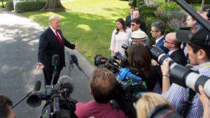 Trump Bahas Hilangnya Khashoggi dengan Pemimpin Tinggi Arab Saudi