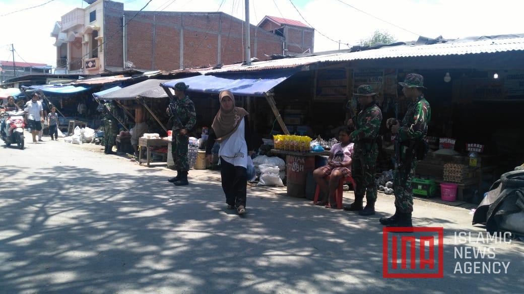 Dijaga Ketat TNI, Pasar Masomba Palu Mulai Beroperasi