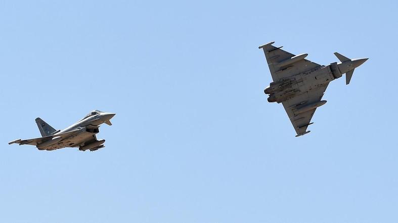 Serangan Udara Koalisi Arab Hantam Kamp Pelatihan Syiah Houthi, 150 Tewas