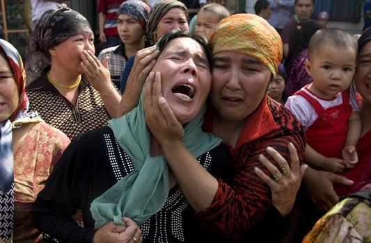 Pilih Netral terhadap Uighur, Pemerintah Dinilai Langgar UUD 1945
