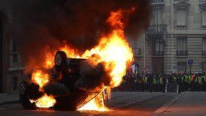 Sudah 1.220 Demontran Ditangkap dalam Kerusuhan Kenaikan BBM di Perancis