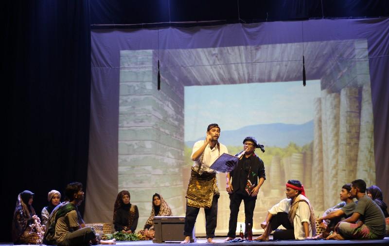 Seniman Aceh Gelar Teater Prang Sabi