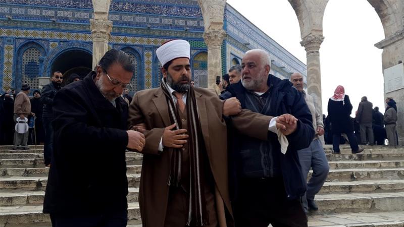 Pasukan Penjajah Israel Kepung Masjid dan Tahan Tiga Penjaga Al Aqsha