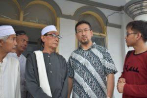 Ketika Korban Tsunami Banten Terharu Dikunjungi Langsung Muslim Uighur