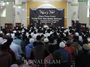 Ribuan Warga Solo Hadiri Doa Bersama untuk Ustaz Abu Bakar Ba'asyir