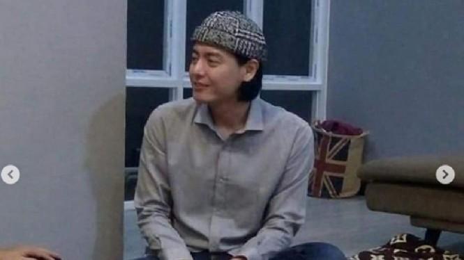 Buat yang Penasaran, Ini Alasan Roger Danuarta Masuk Islam