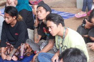 Di Kolong Jalanan Jakarta, Anak Punk Kembali Perdalam Agama