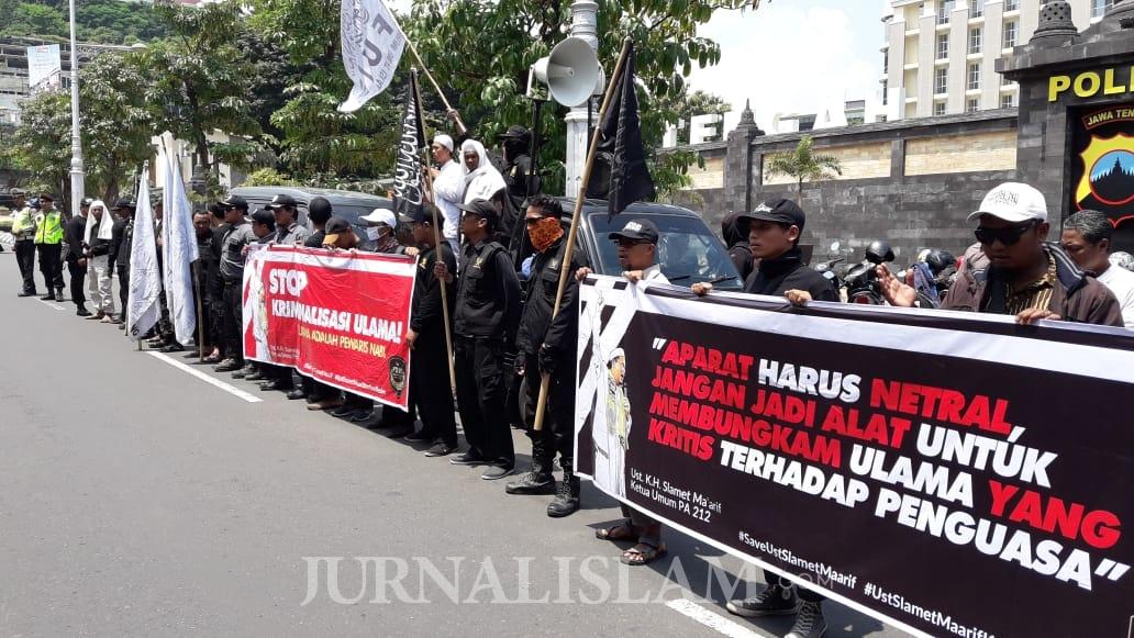 Aksi Protes Kasus Ketua PA 212 Berlanjut di Mapolda Jateng