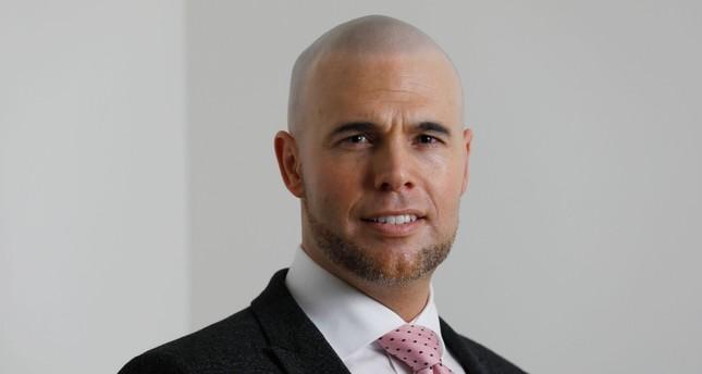 Van Klaveren, Mantan Aktivis Partai Anti-Islam Belanda Masuk Islam