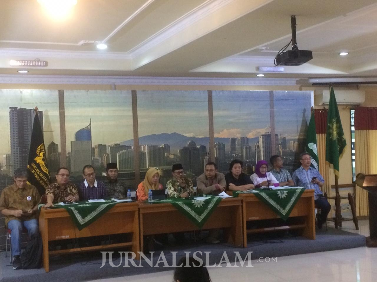 Koalisi Masyarakat Sipil Desak Karantina Wilayah, Tolak Darurat Sipil